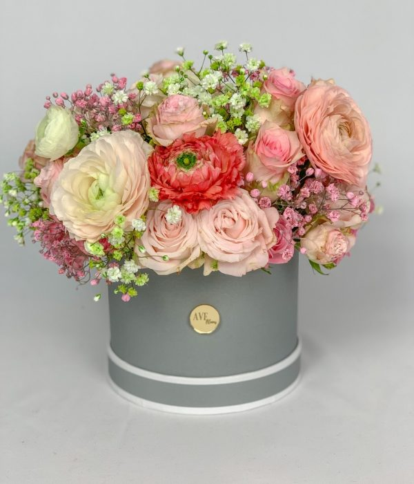 Mixed hat box bouquet